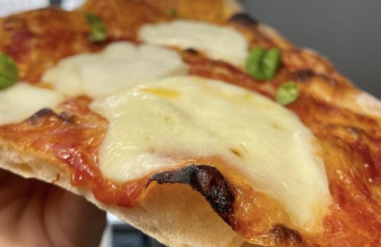 pizza margherita in padella