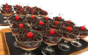 Zuppa inglese in bicchiere