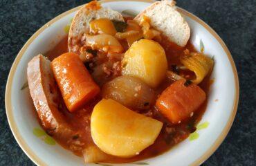 Zuppa di verdure con carne macinata