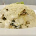 """La lasagna bianca di Luisanna Messeri: """"Il mio segreto per una besciamella super cremosa. Cosa aggiungo"""""""