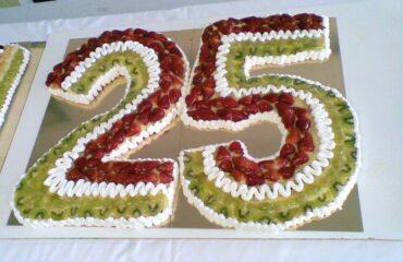 Torta di frutta tricolore