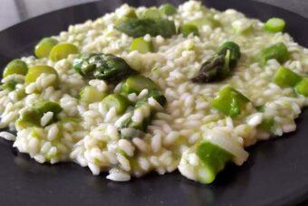 Risotto agli asparagi, la ricetta del Cucchiaio d'Argento, per un classico di primavera