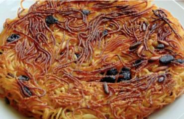 """Lo """"scammaro"""", la frittata di pasta napoletana non fritta e senza uova"""