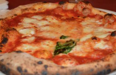 Pizza liquida in pochi minuti: profumata e ottima. Dietetica e leggera