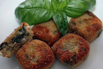 """Polpette di melanzane di Borghese: croccanti fuori e soffici dentro. Il trucco dello chef: """"Fai così e si sciolgono in bocca"""""""