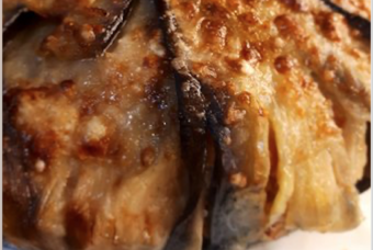 Timballo cremoso di riso e melanzane: ingredienti semplici e buonissimi per un pranzo perfetto