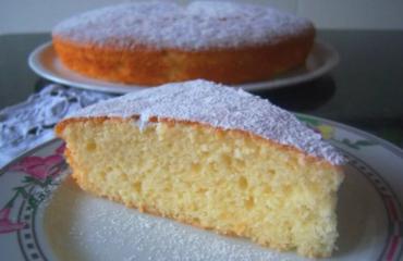 La torta mantovana della nonna: il dolce soffice e profumato