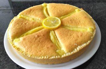 Torta di crema al limone