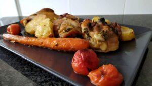 Cosce di pollo con verdure stufate